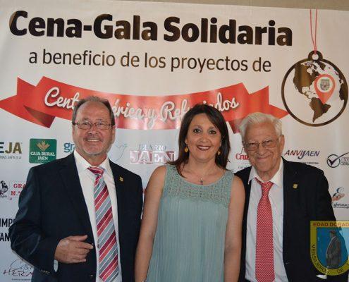 Cena solidaria organizada por Edad Dorada-Mensajeros de la Paz Andalucía